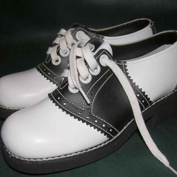 40e7d7a925051 Deadstock Vintage 60s 70s leather saddle shoes 6